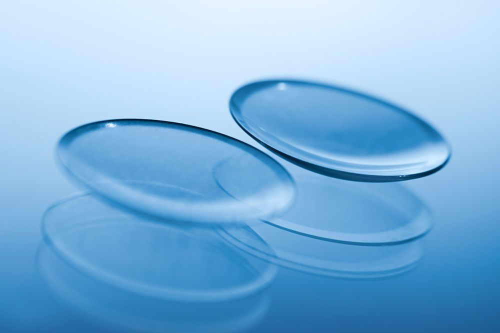 coronavirus-and-contact-lenses-is-204493